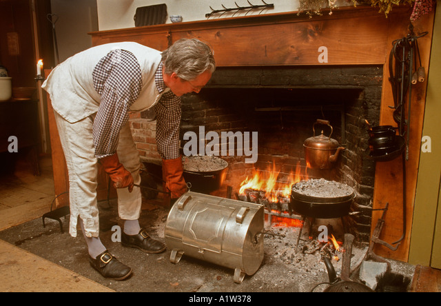 Dutch Oven And Fire Stock Photos & Dutch Oven And Fire Stock ...