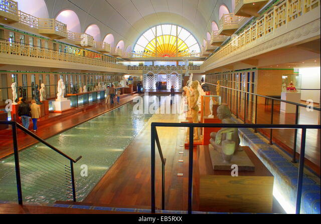La piscine stock photos la piscine stock images alamy for Piscine jean bouin