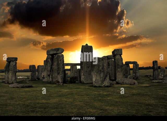 stonehenge dating Stonehenge is one of the world's most impressive prehistoric monuments the construction of the ditch and surrounding embankment dates to 3100 bce, and radiocarbon dating indicates that placement of the standing stones took place between 2400 and 2200 bce.