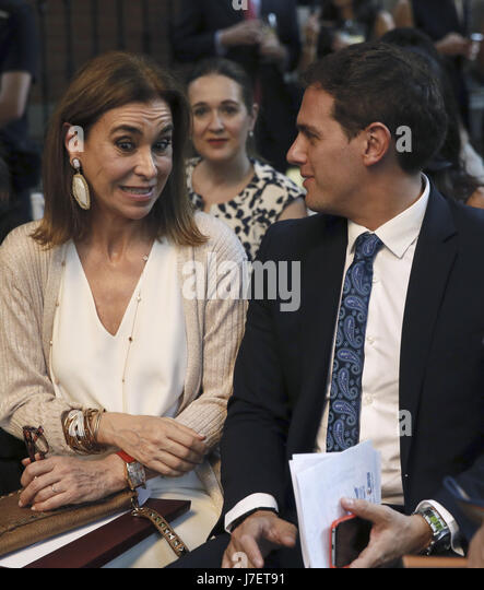 Leader of the 'Ciudadanos' (Citizens) party Albert Rivera (R) and Uruguayan writer Carmen Posadas attend - Stock Image