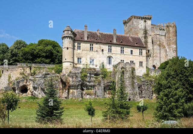 dordogne chateau stock photos dordogne chateau stock images alamy. Black Bedroom Furniture Sets. Home Design Ideas