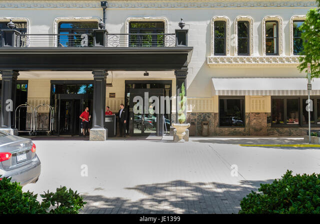 Doorman hotel usa stock photos doorman hotel usa stock for Sir francis drake hotel haunted history