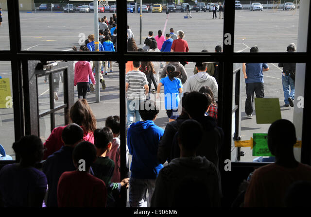 san francisco usa 16th oct 2014 students evacuate during an earthquake drill