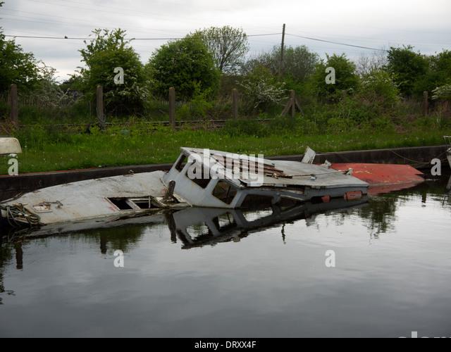 Boat Sinking Stock Photos Amp Boat Sinking Stock Images Alamy