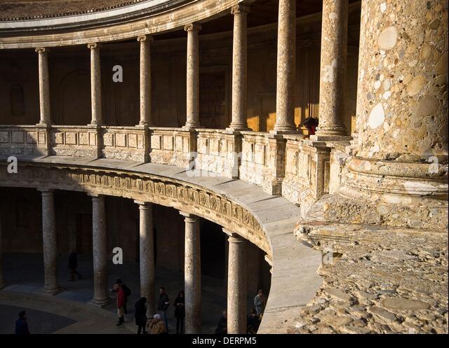 Awesome Columnas En El Patio Circular Del Palacio Real De Carlos V En La Alhambra  De Granada