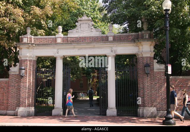 Harvard University Gat...