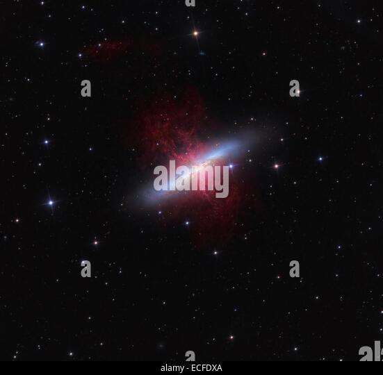 the magnificent starburst galaxy - photo #7