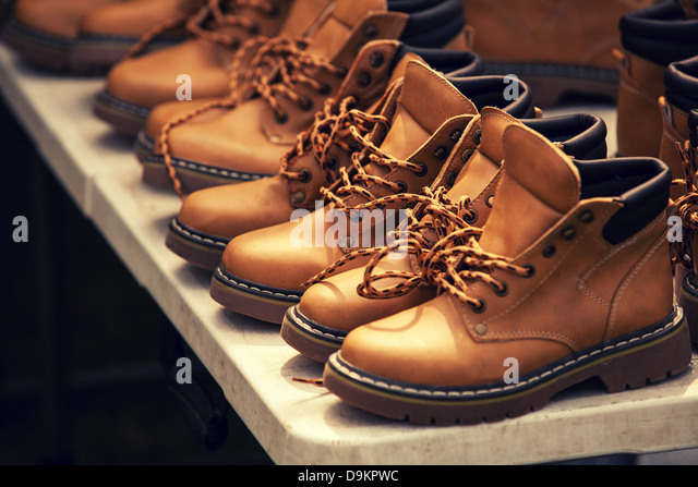 Shoe Retail Store Mens Shoes Stock Photos & Shoe Retail Store Mens ...