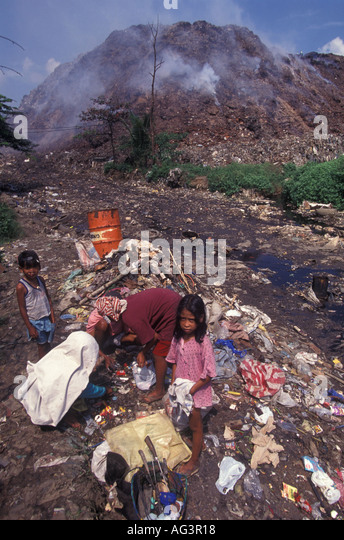 a research on the smokey mountain garbage dump in the philippines Smokey mountain is the previous site of a garbage dump in tondo, one of the poorest districts in metro manila and home to many of the city's slum areas the landfill attracted a huge squatter.