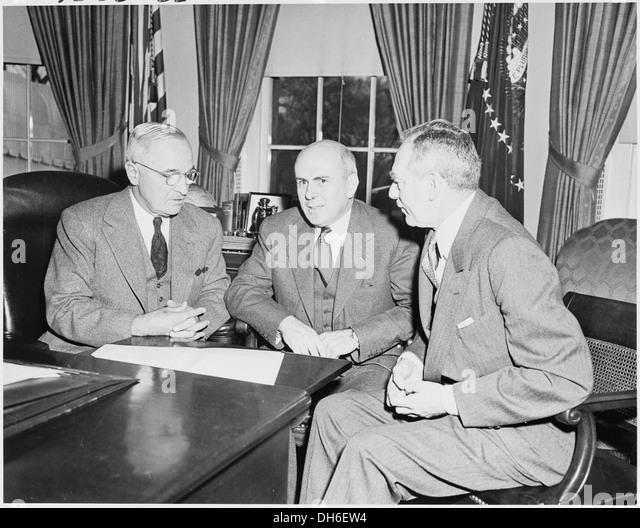Maritime Bad Godesberg : Photograph of President Truman with John McCloy, US High