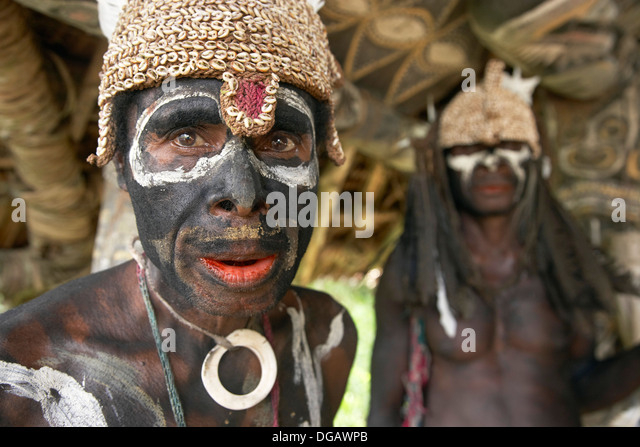 chambri tchambuli A historical reconsideration of female dominance among the chambri of papua new guinea late margaret mead studied the chambri (tchambuli.