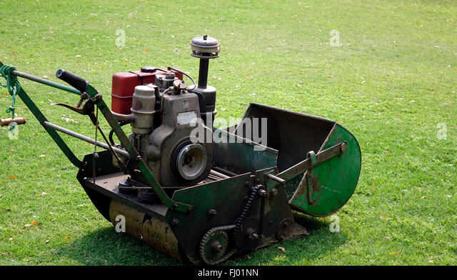 old lawn mower stock photos old lawn mower stock images alamy. Black Bedroom Furniture Sets. Home Design Ideas