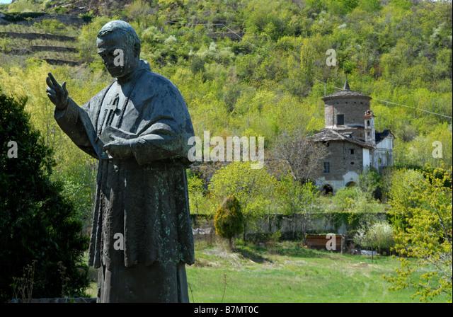 casolaro point barletta statue - photo#12