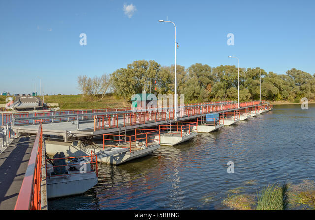 Floating bridge stock photos floating bridge stock for Movable floating deck