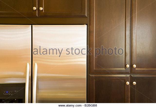 Kitchen Cabinet Latout