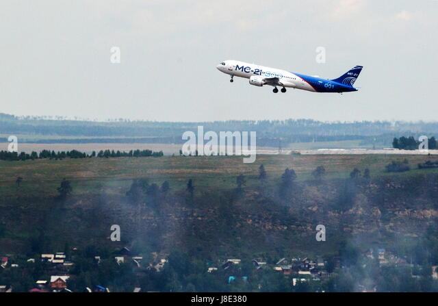 Irkutsk, Russia. 28th May, 2017. A new Russian-made Irkut MC-21-300 twinjet airliner performs its first test flight - Stock Image