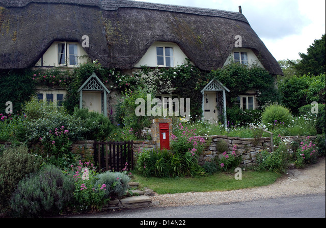 thatched cottages wiltshire stock photos thatched cottages wiltshire stock images alamy