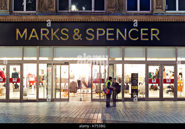 issues of marks spencer Delivery problems at its online business meant marks & spencer fell well short of christmas sales forecasts, raising fresh questions about chief executive marc bolland's turnaround strategy for.