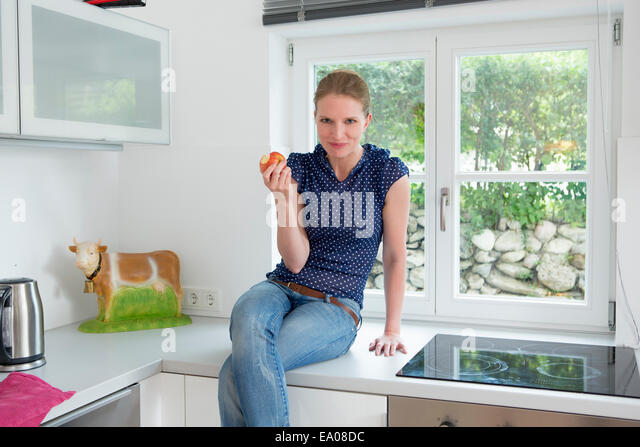 Single cow stock photos single cow stock images alamy for Alpine cuisine fine porcelain germany
