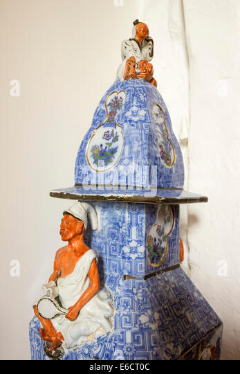 Ming Vase Stock Photos Amp Ming Vase Stock Images Alamy