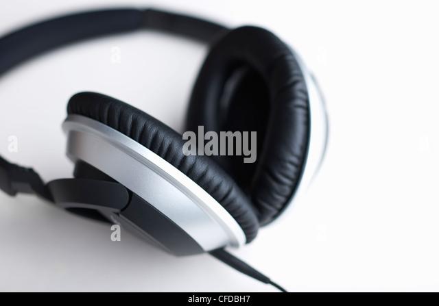 Low Price Solo 2 On-Ear Wireless Headphones - Gold