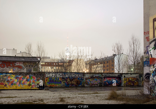 Steel Wall Mural - Wallpaper | Architecture wall murals ...