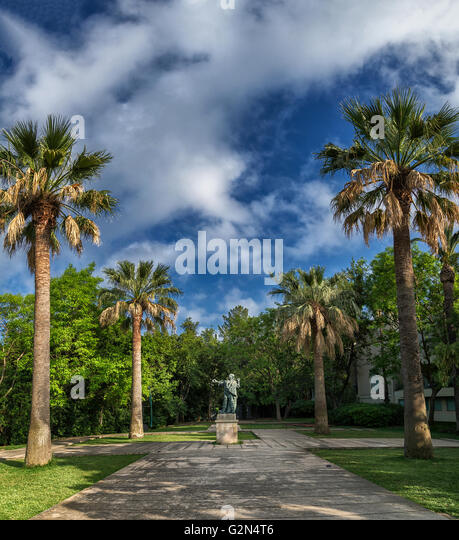 Estatuas stock photos estatuas stock images alamy for Jardines de montjuic