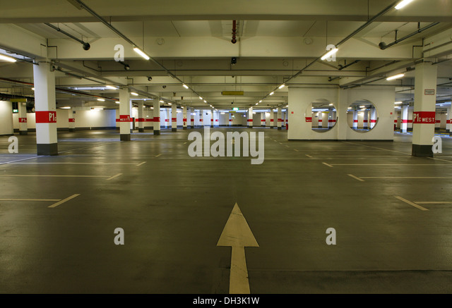 arrow underground parking stock photos arrow underground parking stock images alamy. Black Bedroom Furniture Sets. Home Design Ideas