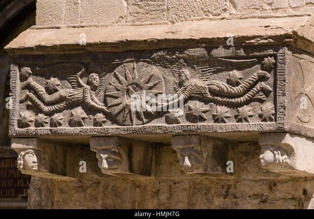 Sarcofago stock photos sarcofago stock images alamy - Casco antiguo de girona ...