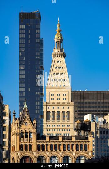 Metropolitan Life Tower and One Madison Park skyscrapers. Midtown Manhattan, New York City - Stock Image