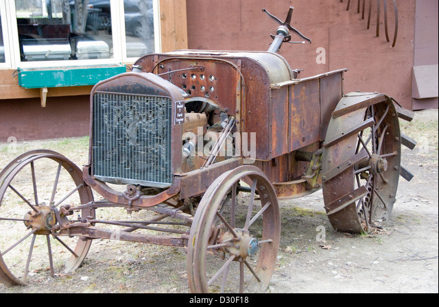 Broken Tractor Ford : Tractor old broken down stock photos