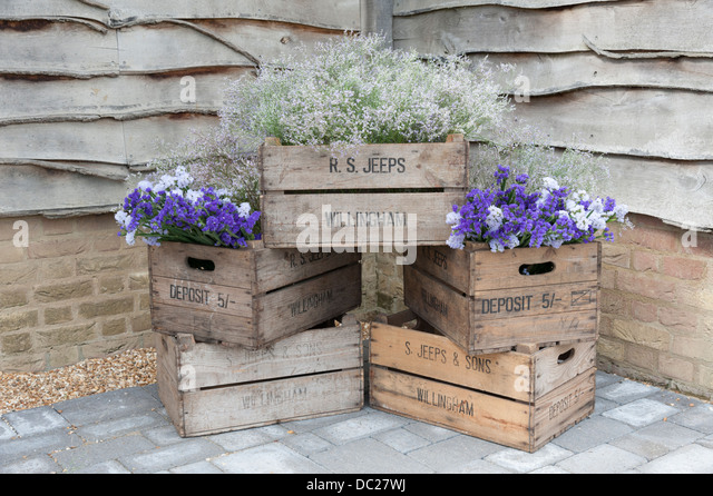 Old wooden bushel boxes or fruit storage boxes used for a flower arrangement - Stock Image & Wooden Bushel Stock Photos u0026 Wooden Bushel Stock Images - Alamy Aboutintivar.Com