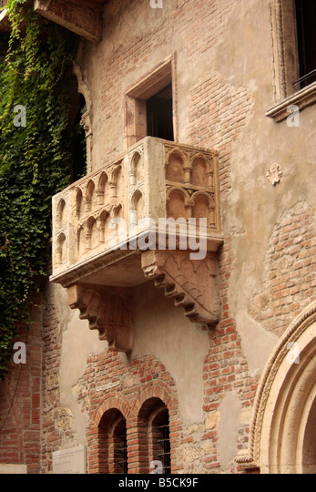 Capuleti stock photos capuleti stock images alamy for Famous balcony