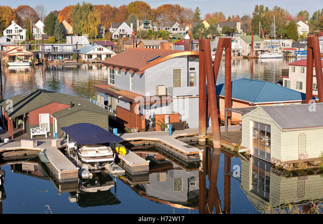 Homes floating stock photos homes floating stock images Portland floating homes