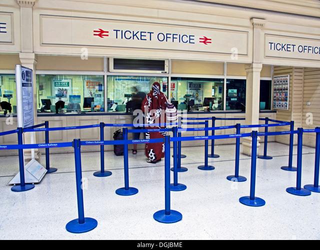 Ticket office window stock photos ticket office window - Kings cross ticket office opening times ...