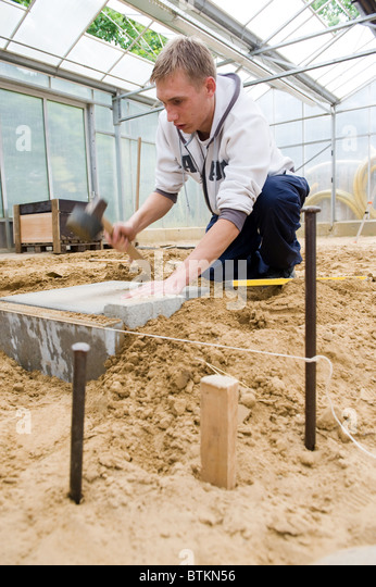 Landscape Gardening Apprenticeships : Taut rope stock photos images alamy