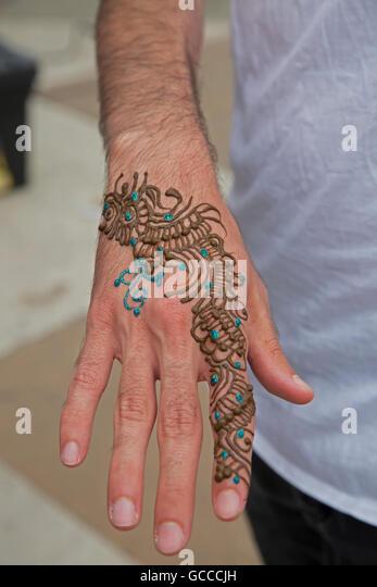 Mehndi Tattoo London : Henna hand london makedes