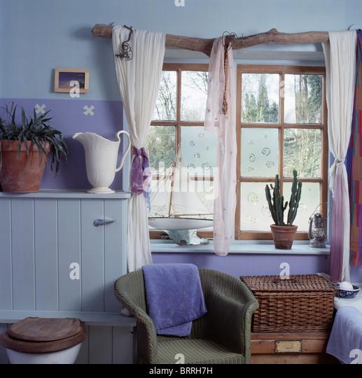 Interiors Bathroom Window Drapes Stock Photos & Interiors Bathroom ...