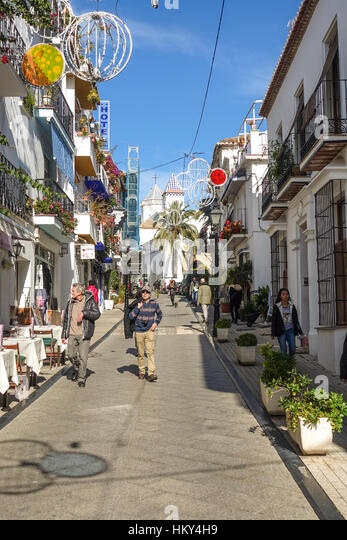 how to get to marbella old town