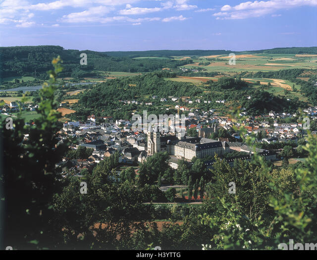 an overview of the country of luxemburg Through which political system is luxembourg being governed what are its national symbols what are its most popular festivals and traditions what are its economic.