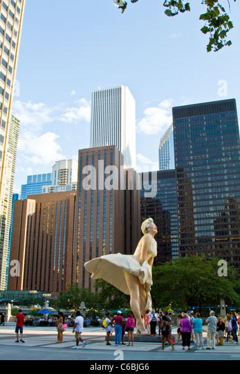 Chicago Bilder statue marilyn in chicago stock photos statue marilyn