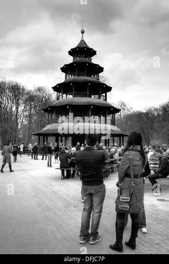 chinesischer turm chinese tower stock photos & chinesischer turm, Garten ideen