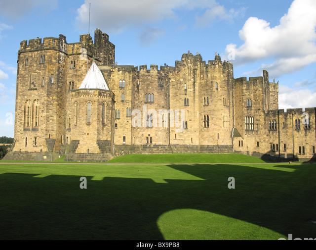Alnwick Castle Harry Potter Stock Photos & Alnwick Castle Harry ...