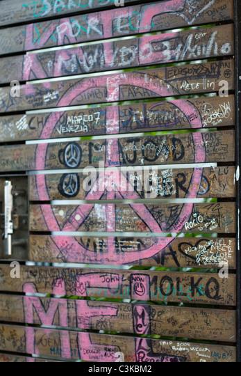 Beatles graffiti stock photos beatles graffiti stock for Abbey road mural