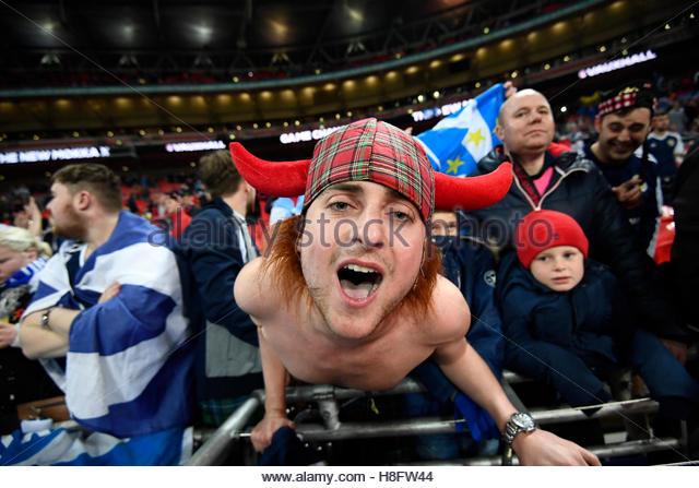England fans football stadium stock photos england fans for Home zone wallpaper wolverhampton