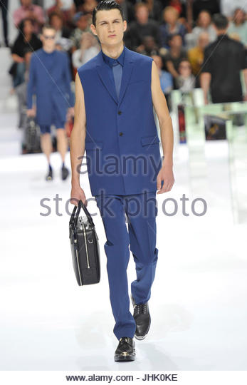 Paris Pret A Porter Man Ss Dior Homme Stock Photos Paris Pret - Pret à porter homme