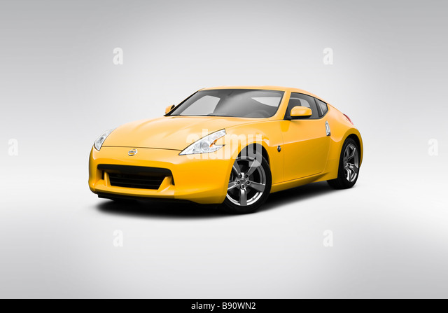 2009 Nissan 370Z In Yellow   Front Angle View   Stock Image
