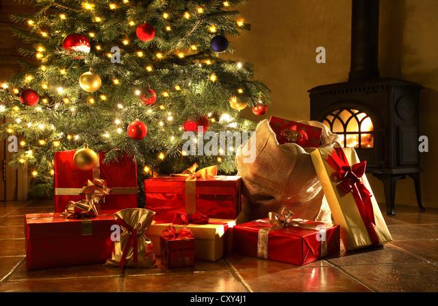 Christmas Tree Presents Stock Photos Amp Christmas Tree