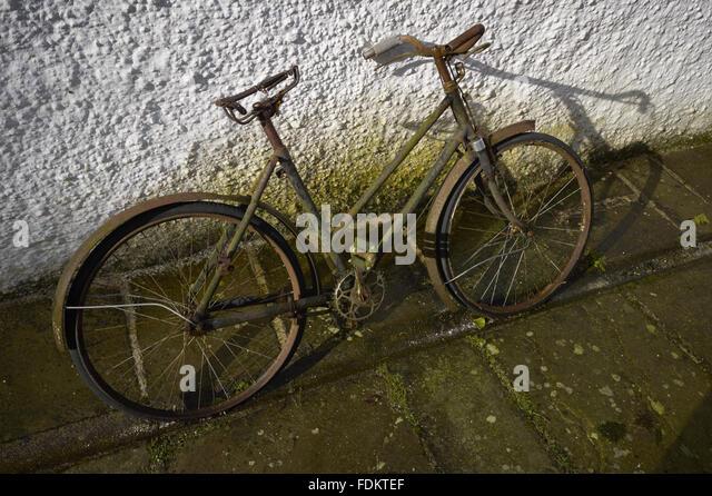how to clean a rusty bike