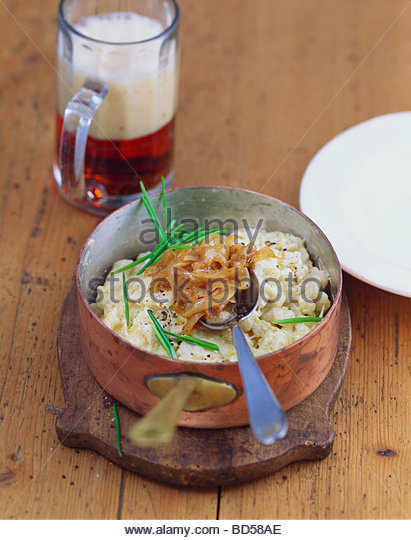 KasNocken (Austrian Spaetzle With Cheese And Caramelized Onion ...